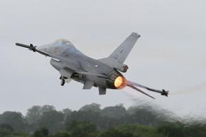 Romania ostaa tusinan F-16-hävittäjiä lisää