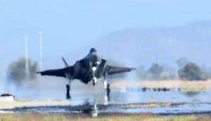 Norjan ensimmäinen F-35A nousee taivaalle 10.11.2015. Kuva: USAF
