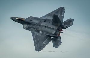 F-22 Raptor -hävittäjiä Puolaan pysyvästi?