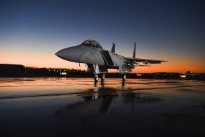Super Hornet putoaa Suomen hävittäjäehdokkaista? − Boeing lopettaa hävittäjävalmistuksen