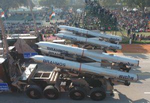 Intian Suhoi Su-30MKI -hävittäjät saavat yliääniristeilyohjuksen