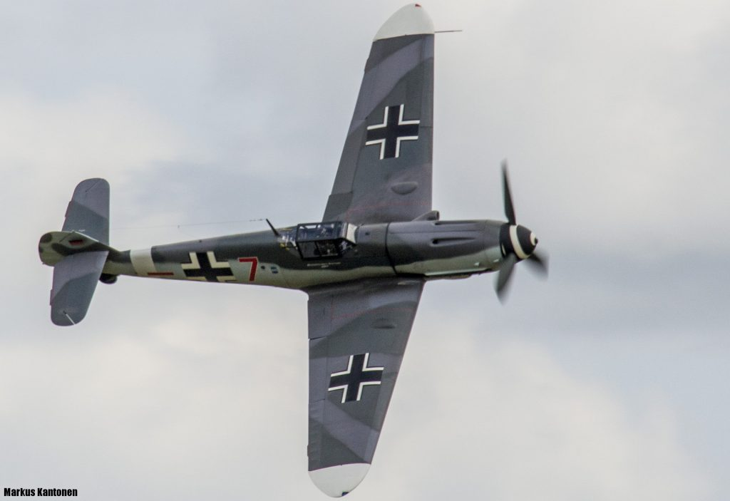 Messerschmitt Me 109 G4 - Red Seven
