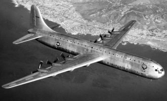 Convair Model 37 oli kuin Airbus 380, tosin jo 1940-luvulla. Pommikoneesta ei kuitenkaan tullut taloudellista matkustajakonetta, eikä tehdas saanut lopulta ainuttakaan tilausta. Siivet 4/2016.