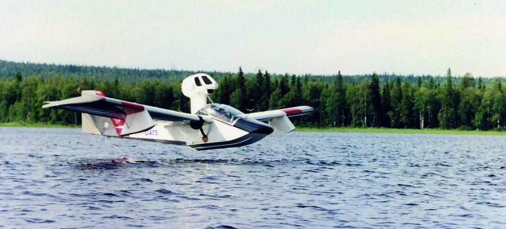 U 475 Louejärvellä heinäkuussa 1993. Kuva: Kalle Rötkönen. Siivet 3/2015.