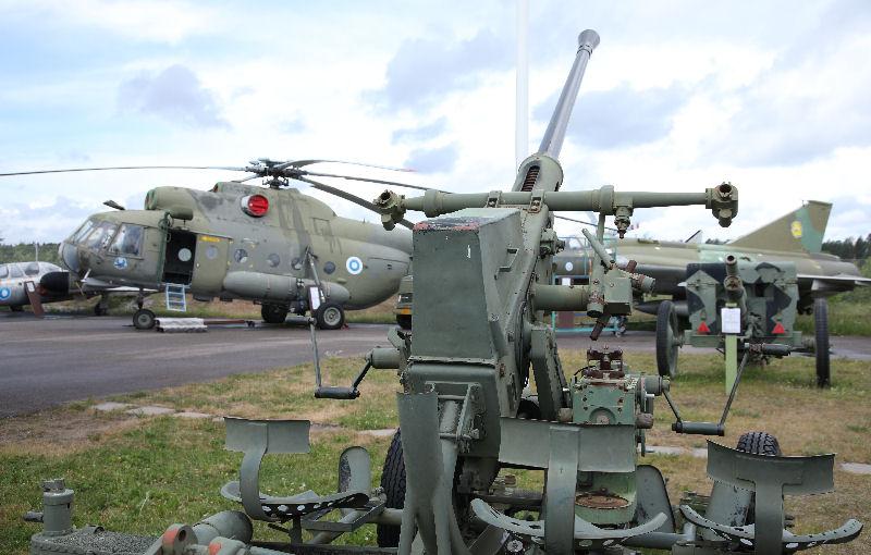 MiG-21, Saab Draken, Mi-8. Karjalan ilmailumuseo. Kuva: Jukka O. Kauppinen